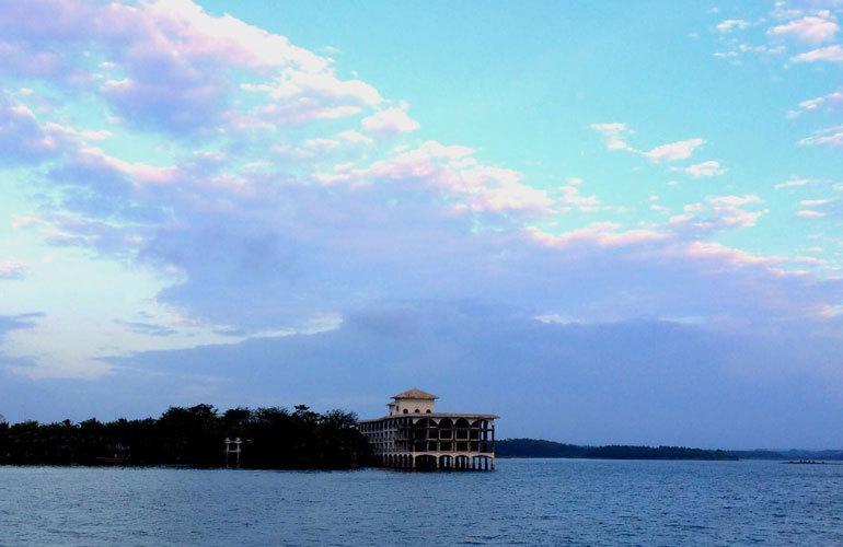 周邊配套:定安南麗湖濕地