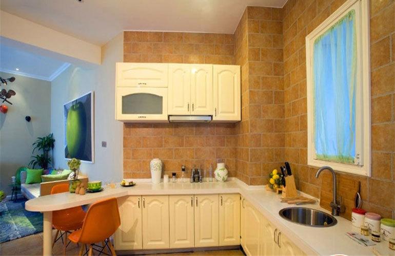 世茂怒放海 樣板間:廚房