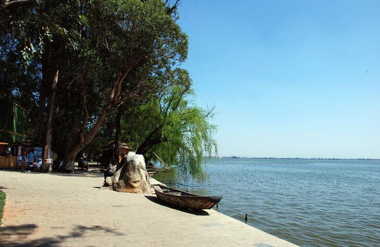 华夏四季 周边配套:海埂公园