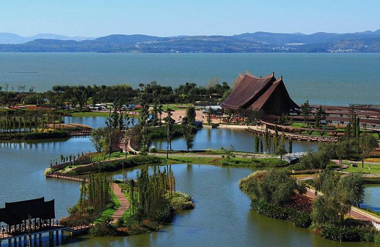 俊发蓝湖俊园 古滇精品湿地公园景观