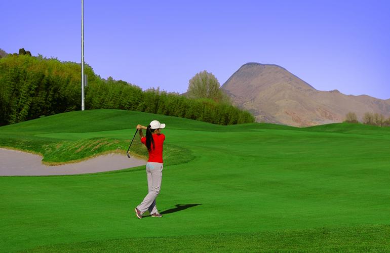 恒大养生谷 挥杆高尔夫球场