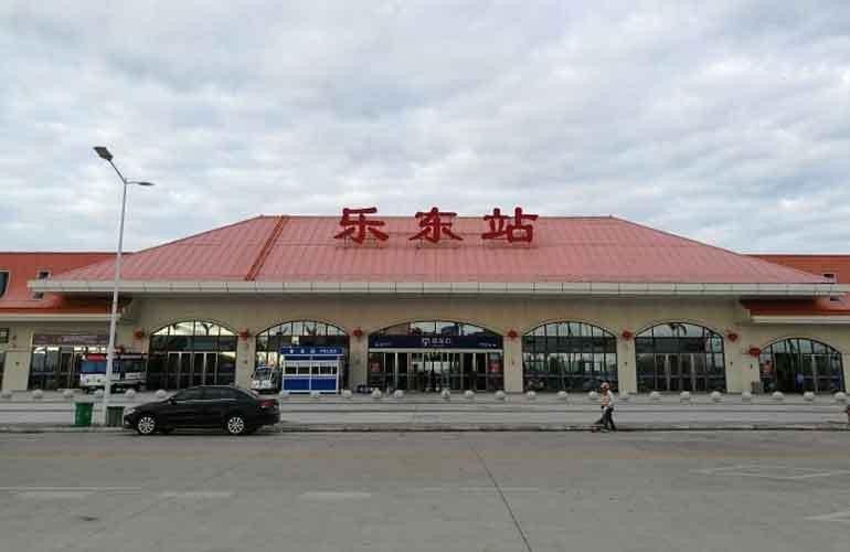 清凤龙栖海岸 火车站