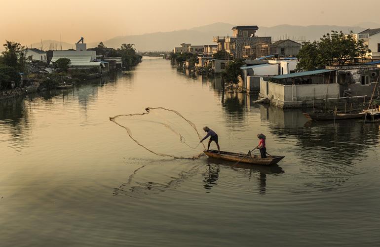 龙光玖誉湾 周边配套:金湾区海边渔村