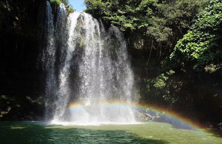 景业白鹭洲 古银瀑布