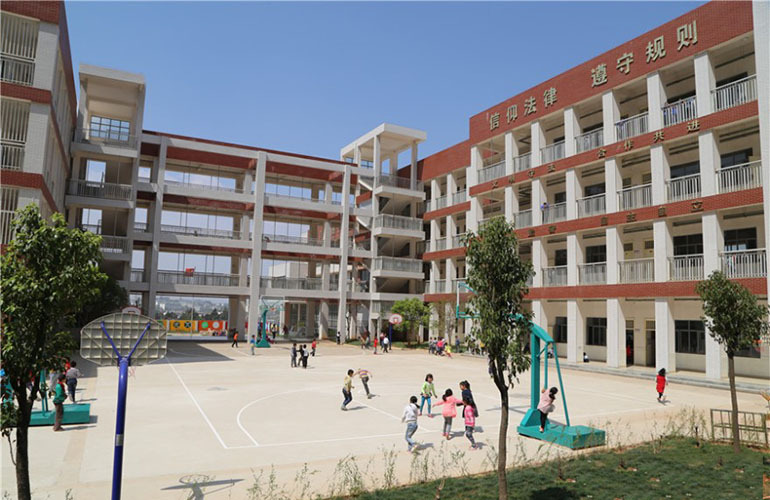 枫丹耀兴公馆 学校