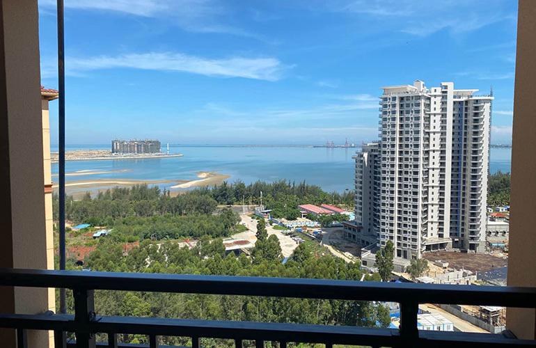 中商海花东岸 阳台