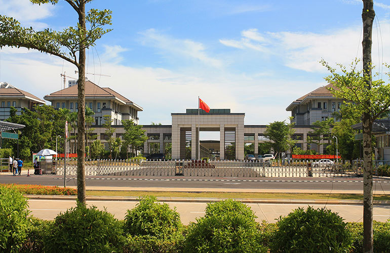 逸龙广场 市政府