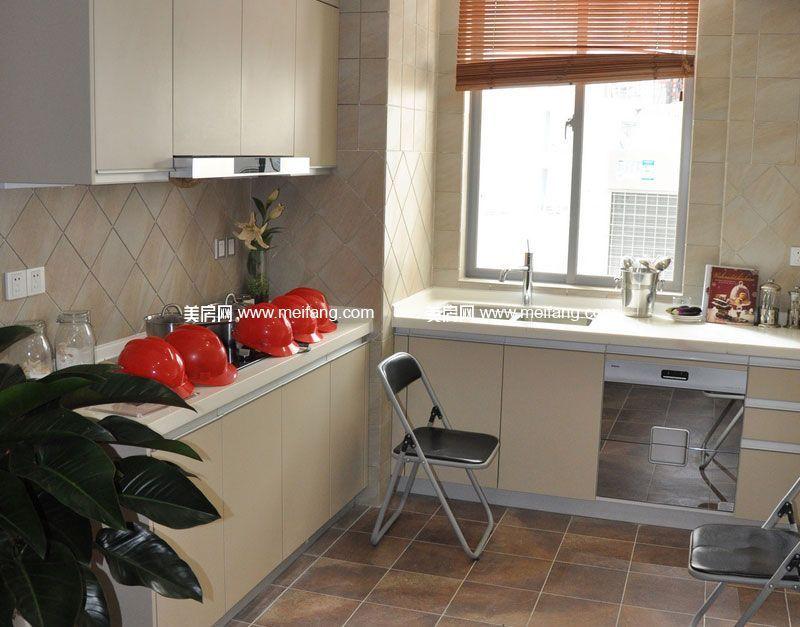 龙栖湾波波利海岸 样板间:厨房