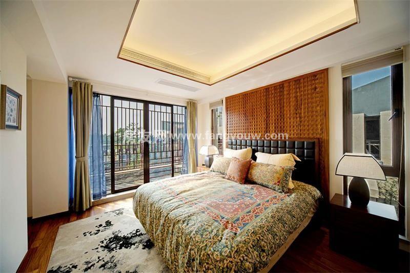 开维生态城 别墅样板间:卧室