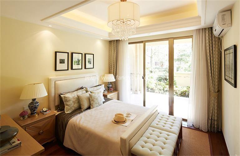 富力盈溪谷 样板间:卧室