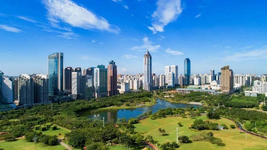 新华社:这一年,看海南自贸港如何夯基垒台!