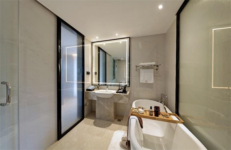 融创·博鳌金湾 样板间:浴室