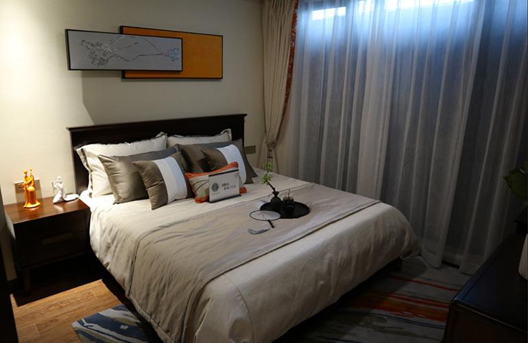 石梅春墅 远山瞰景公寓B户型样板间:卧室