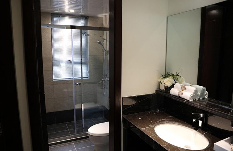石梅春墅 远山瞰景公寓B户型样板间:卫生间
