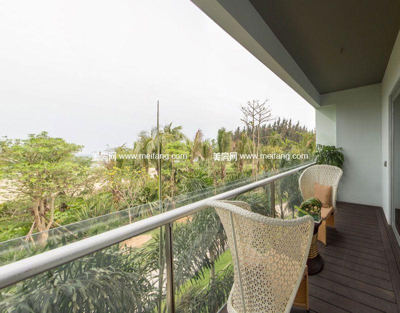 亚特兰蒂斯 B户型2室2厅2卫107㎡样板间:阳台